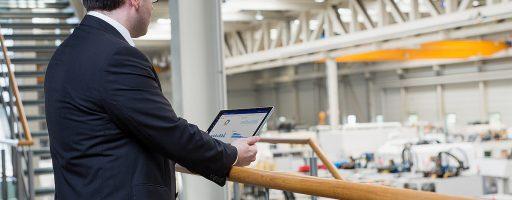 ENDA-Maschinenleitstand auf dem Tablet: Produktionssysteme der Zukunft stellen auch auf mobilen Endgeräten alle relevanten Daten dar. - Bild: Emag