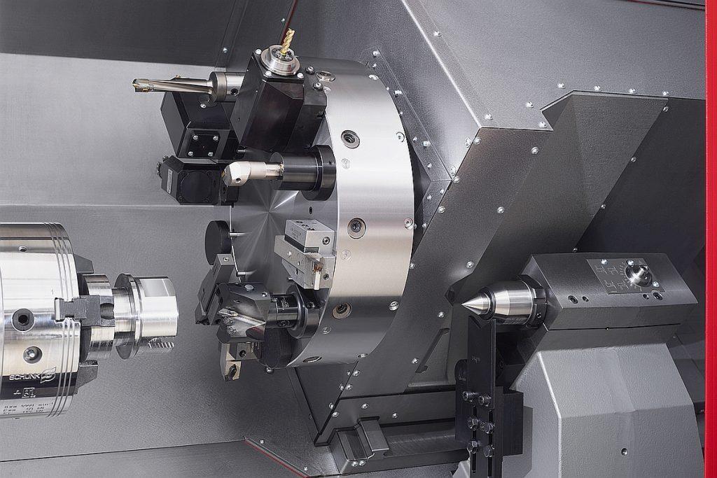 Die Traub TNA500 stellt eine A11-Hauptspindel mit 102 mm Spindeldurchlass, 400 mm Spannfutterdurchmesser und 750 mm Drehlänge bereit.  - Bild: Index