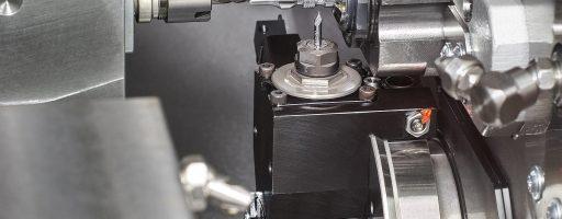 In der Traub TNL12 stehen zwei Werkzeugrevolver sowie ein Front- und Rückapparat zur simultanen Bearbeitung bereit. Bild: Index