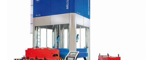 Die Tuschierpresse Millutensil MIL305 mit Drehteller für das Finalisieren von großen Mehrkomponentenformen ist die größte ihre Art und Ausstattung in Europa. Der Koller Formenbau erschließt sich damit ein neues Alleinstellungsmerkmal in seiner Kompetenz als Hersteller von hochwertigen komplexen Großwerkzeugen insbesondere für die Automotive-Industrie. - Bild: Millutensil