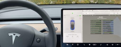 Die neue Dimension der Digitalisierung: Der Fahrer verbindet sich von unterwegs direkt über das Fahrzeugcockpit mit der digitalen Fabrik. - Bild: EVO