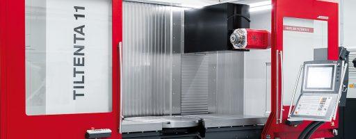 Hedelius hat die Tiltenta 11 als vielseitig einsetzbares 4-Achs-Bearbeitungszentrum mit stufenlos schwenkbarer Hauptspindel konzipiert. Optional kann der Anwender die Maschine mit einem planeben integrierten Schwerlast-Rundtisch zu einem vollwertigen 5-Achs-Bearbeitungszentrum aufstufen. - Bild: Hedelius