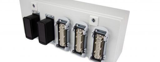 Die neue TCbox von Meusburger ist ein innovatives Temperaturinterface, das die Temperaturerfassung vom profiTEMP+ direkt an den Heißkanal bringt. Die TCbox-Module bieten zwölf Thermoelement-Messeingänge und werden direkt an der Anschlussbox des Heißkanals positioniert. - Bild: Meusburger