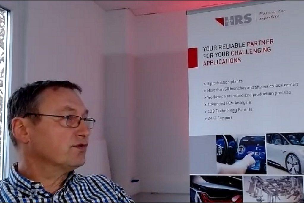 Stephan Berz vom Heißkanalhersteller HRSFlow zeigte beim Horber Werkzeugtag 2021 in seinem spannenden Vortrag, was sich in der Automotive Branche derzeit tut. Dazu gehörten technbische Entwicklungen ebenso wie die Auswirkungen der Corona-Pandemie auf die OEM und ihre Zulieferer. Bild: Pergler Media