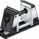 Der vollständig gekapselte 5-Achs-Spanner Kontec KSX-C2 von Schunk hat ein werkzeugloses Backenschnellwechselsystem und zudem einen aktiven Niederzug für die präzise 6-Seiten.Bearbeitung. Er ermöglicht eine effiziente Bearbeitung mit hoher Präzision auf 5-Achs-Maschinen und sorgt für kurze Rüstzeiten. - Bild: Schunk
