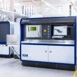 Die Basis für die gemeinsame Arbeit ist die Investition von Amexci in die neueste SLM 500 von SLM Solutions. Die Maschine bietet hervorragende Eigenschaften für die industrielle Serienfertigung. Das Quad-Laser-System wurde für eine schnelle und kostengünstige Produktion großer Metallteile ausgelegt. - Bild: SLM Solutions
