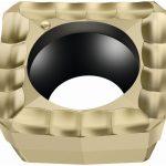 Mit der neuen PVD-Sorte WSP45G erweitert der Tübinger Präzisionswerkzeughersteller Walter das Tiger·tec-Gold-Anwendungsspektrum jetzt erstmals auch auf das Bohren. - Bild: Walter