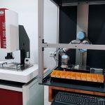 Der Anwender kann das Werkstattmikroskop WM1 von Schneider Messtechnik entweder als Master oder als Slave in eine Automatisierung integrieren. Bild: Schneider Messtechnik