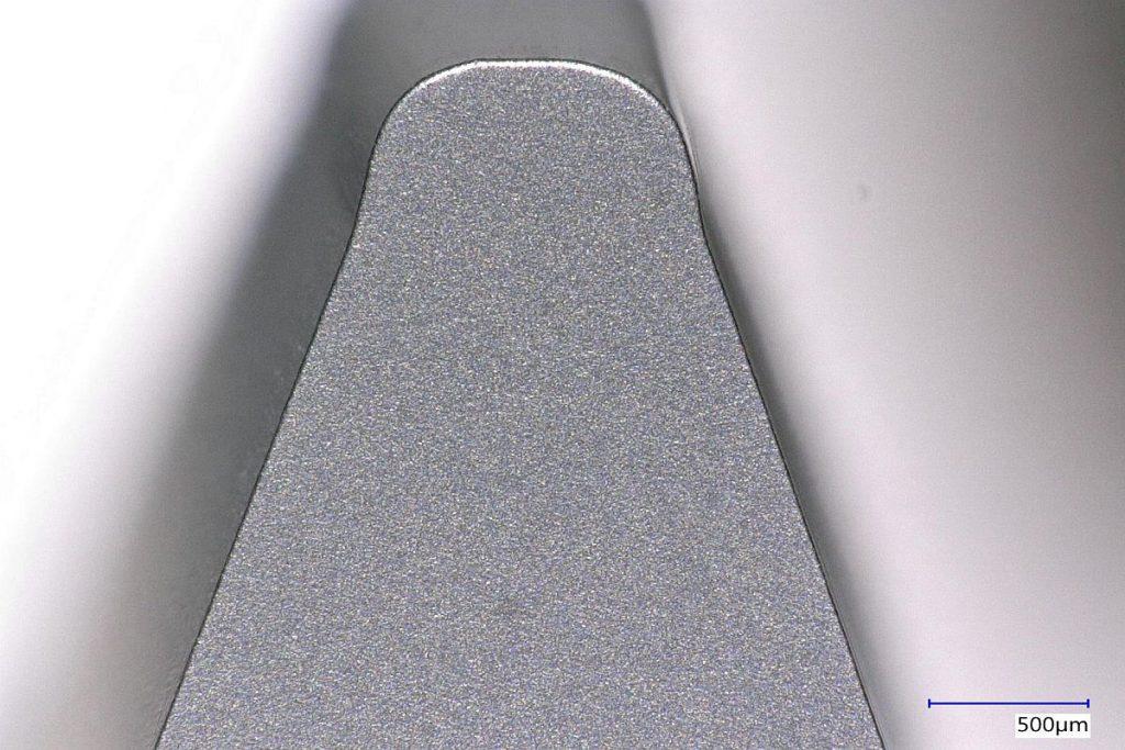 Die optimale Kantenverrundung beeinflussen unter anderem Faktoren wie die Substratauswahl, die Schliffstrategie, die Geometrie und die Oberflächenqualität. - Bild: Oerlikon Balzers