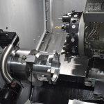 Großzügig dimensioniert ist der Bearbeitungsraum der Caruso MT-208MC. Der Revolver fasst bis zu einem Dutzend angetriebene Werkzeuge. - Bild: Hommel