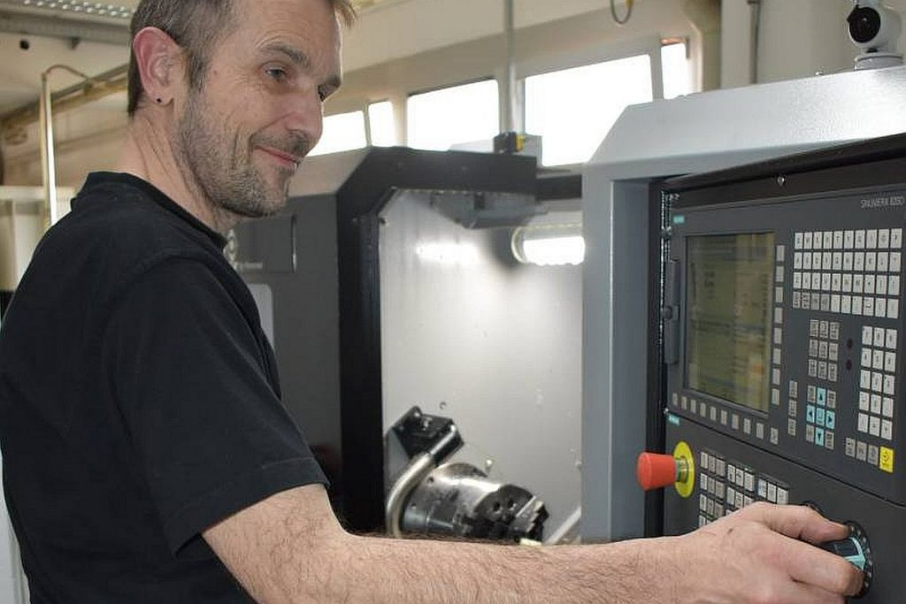 Mit der Caruso-Baureihe hat Hommel zum ersten Mal eine Drehmaschine im Programm, die mit einer Siemens CNC ausgerüstet ist. - Bild: Hommel
