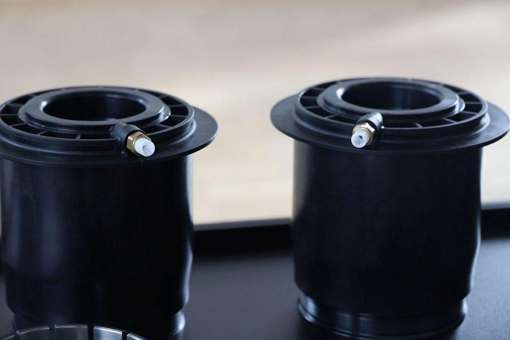 Eine weitere Domäne der Lüdenscheider sind Spritzgießformen für komplexe technische Thermoplastprodukte. Über den gesamten Produktlebenszyklus hinweg können die Werkzeugbauer ihren Kunden einen umfassenden Service anbieten. - Bild: Pergler Media
