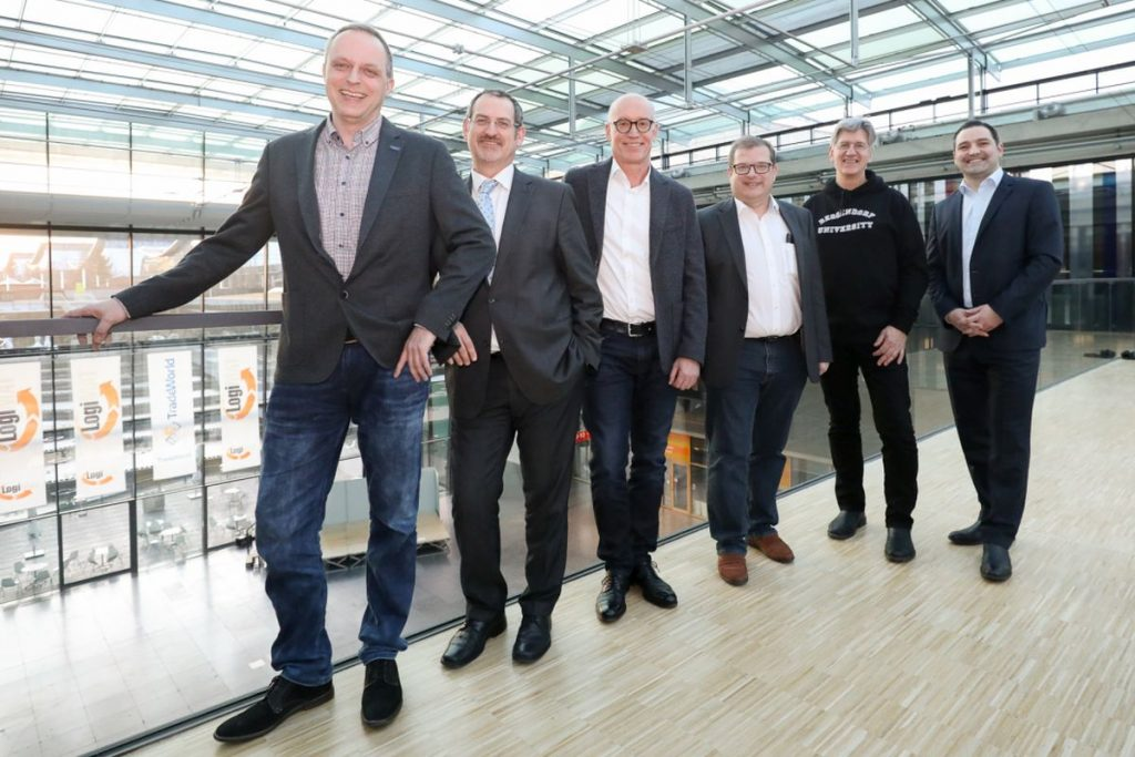 Der Aufsichtsrat der Marktspiegel Werkzeugbau eG nach der Gründungsversammlung an der Messe Stuttgart im Februar 2019: (V.l.n.r.) Ralf Dürrwächter (VDWF e.V.), Werner Hauk (HAUK Modell- u. Formenbau GmbH), Gerald Schug (Huissel GmbH), Richard Pergler (Pergler Media), Prof. Ludwig Gansauge (TU Deggendorf) und Rene Haidlmair (Haidlmair GmbH Werkzeugbau).   Bild: wortundform/vdwf