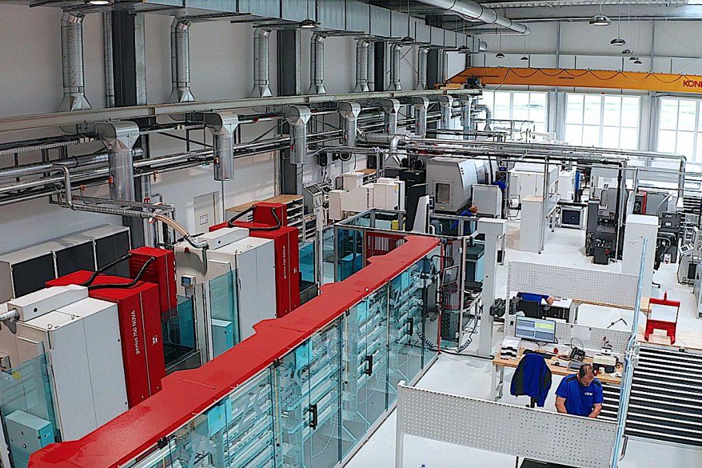 Die maschinelle Ausrüstung der Neugründung VTW ist auf Multikavitätenspritzgießwerkzeuge für die Verpackungsindustrie und die Medizintechnik abgestimmt. Hier das Chameleon mit Erodieranlagen von Zimmer & Kreim. - Bild: VTW