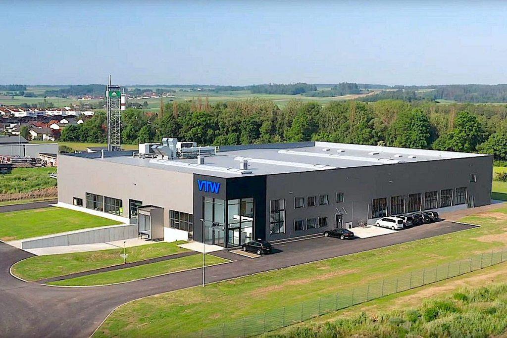 In gerade einmal neun Monaten wurde der VTW-Werkzeugbau der Neugründung errichtet. Nur 2 Kilometer vom vormaligen KTW-Stammsitz in Waidhofen an der Thaya entfernt. - Bild: VTW