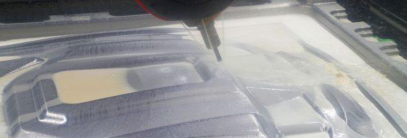 Zwei Trimill VF3021 sorgen beim Formenbau Koller für Performance beim Schlichten