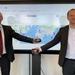 Jürgen Wenger und Axel Niemeyer, Leiter Werkzeugmanagement der BMW Group, setzen auf die Digitalisierungslösung von Digital Moulds. - Bild: BMW Group