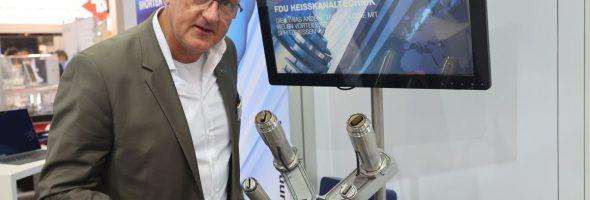 FDU Hotrunner: Breitschlitzdüse auch für schwierige Werkstoffe